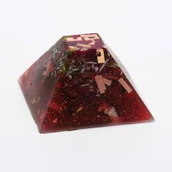 Orgonit střední - pyramida 1 ks, 4-8 cm