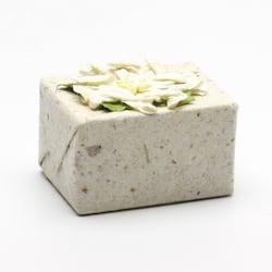 Pure Fiji Kokosové mýdlo v ručním papíře, mléko & med 50 g